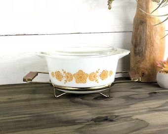"Pyrex ""Golden Butterfly, Butterfly Gold 474-B Oval Covered Casserole with Cradle"