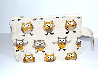 Wristlet pouch - Yellow Owl - Material Natural linen