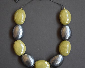 Gunmetal Gray Olive Green Large Chunky Faceted Oval Bead Choker Necklace Vintage