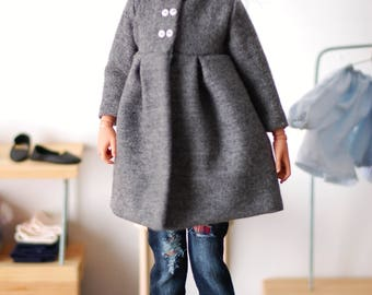 Gray lined coat for  minifee MSD and other 1/4scale FR16 Tonner etc