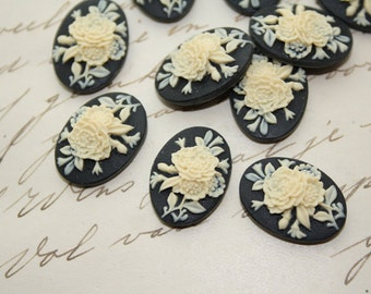 10 unset flower bouquet cameos - Ivory on black