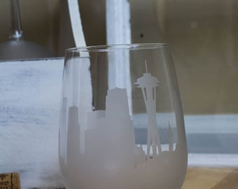 Etched Seattle Washington Skyline Silhouette Wine Glasses