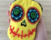 Yellow Skull Face coin pu...