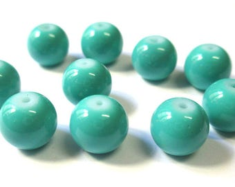 10 beads emerald green painted glass 10mm (T)