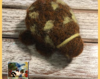 Kit to create 2 brown turtles! Waldorf-style with video CDs with photos and explanations. Needle felt