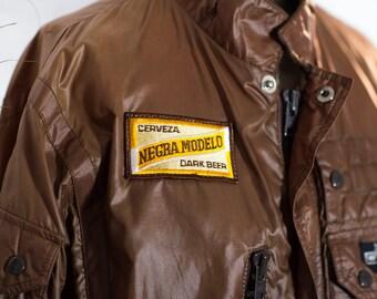 Negra Modelo Wind Breaker