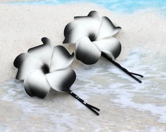 Black White Flower  Bobby Pins, 2pcs, 1 3/4 inch Flowers,  Flower  Pins