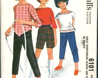 McCalls 6101 - Girls Size 5 - Pedal Pusher Shorts - Pullover shirt with Peter Pan Collar - Vintage Sewing Pattern