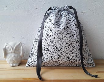 Bag in bulk - 25 x 25 cm - fabric with small gray flowers - wool flower