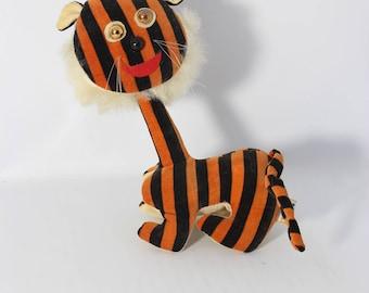 Vintage R. Dakin & Co. U.S. Dream Pets Plush Stuffed Long Neck Tiger Horizontal Stripes Made in Japan