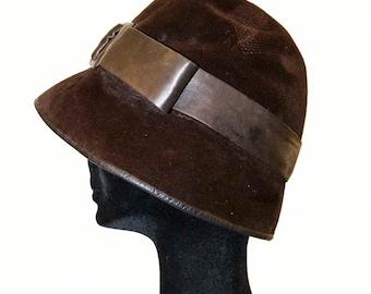 Vintage hat / 30s / Brown / Cloche with leather band / Dark brown velvet
