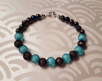 Blue/grey faceted beaded bracelet