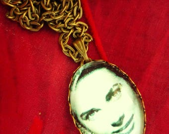 Bronze necklace and pendant glass Grace Kelly