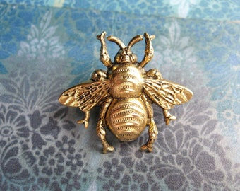 Bumble Bee - Antiqued Gold Plated Bumble Bee Brooch Lapel Pin or Tie Pin Tie Tack with Gift Box