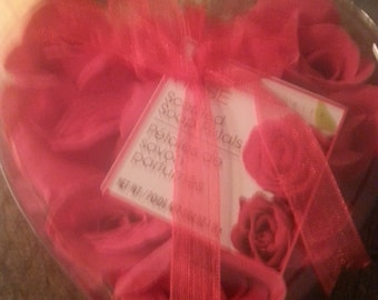 Rose scented flower petals                                ph00034
