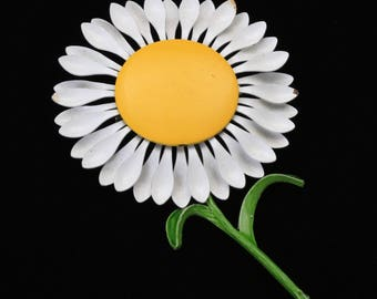 Vintage Metal Daisy Pin Brooch White Petals Yellow Center Green Stems Leaves 60s