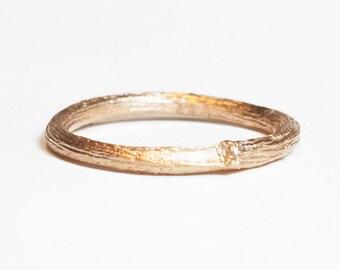 slim 18kt gold twig ring. rosegold or gold.