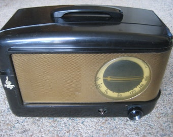 EMERSON 543 TUBE RADIO Brown Bakelite Vintage 1947