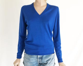 Vintage 70's ALJEAN English Made V Neck  Sweater. Size X Small