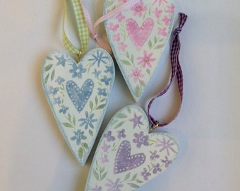 Wooden hearts - faded florals. Set of three