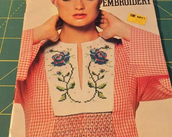 Coats & Clark Book 259. Ideas for Embroidery