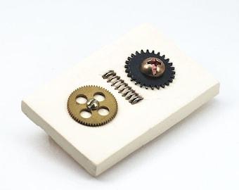 Steampunk Jewelry Brooch- Upcycled Brass Clock Gear Brooch, Jewelry Pin, Steampunk Brooch, Industrial Jewelry, Contemporary Jewelry