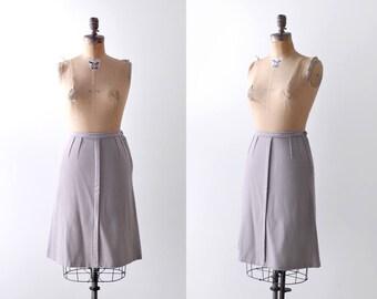 1940 gray wool skirt. small. 40's taupe skirt. A-line. Mid-length. light. s.