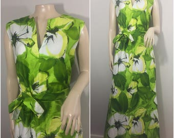 Green and White Floral Maxi Dress // 70s Handmade floral Maxi, Tiki Dress, Oasis //56