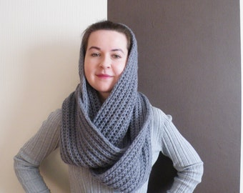 Grey wool scarf, Chunky Knit Scarves, Infinity knitted scarf, Knitted circle scarf, Large infinity scarf, Warm knitted circle scarf,