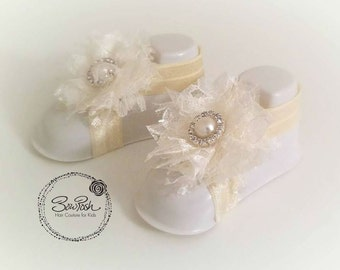 Lily- Ivory lace baby sandals, ivory baby barefoot sandals, baby sandals, lace baby sandals, lace barefoot sandals, elastic baby sandals