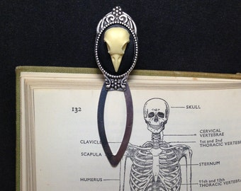 Ornate Antique Silver Highly Detailed Replica Raven Skull Metal Bookmark