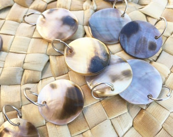 Mother of Pearl Round shells 17mm diameter-12 shells -Tahitian costume, Island Costumes, pendant