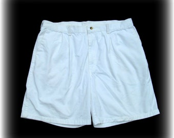 men's white shorts, men's retro shorts, Vintage men's shorts, men's pleated front shorts, Wrangler shorts, Size 42,    # 47