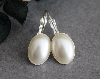 Pearl Drop Earring, Pearl Earrings, Ivory Pearl Earrings, Faux Pearl Earrings, Pearl Lever Back Earrings, Pearl Dangle Earrings