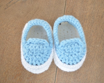 Crochet baby shoes boy - Crochet newborn shoes - Shoes for a baby boy - Gift baby boy- Gender reveal shoes - baby booties - blue baby shoes