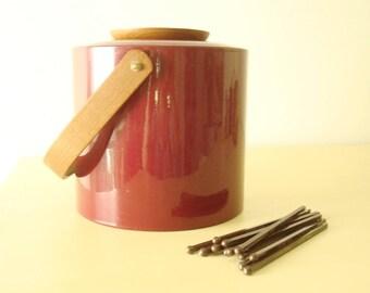 Vintage ice bucket, Georges Briard burgundy & wood with tongs and swizzle sticks, 1960-70s barware, 12 Calvert stir sticks, swanky bar decor
