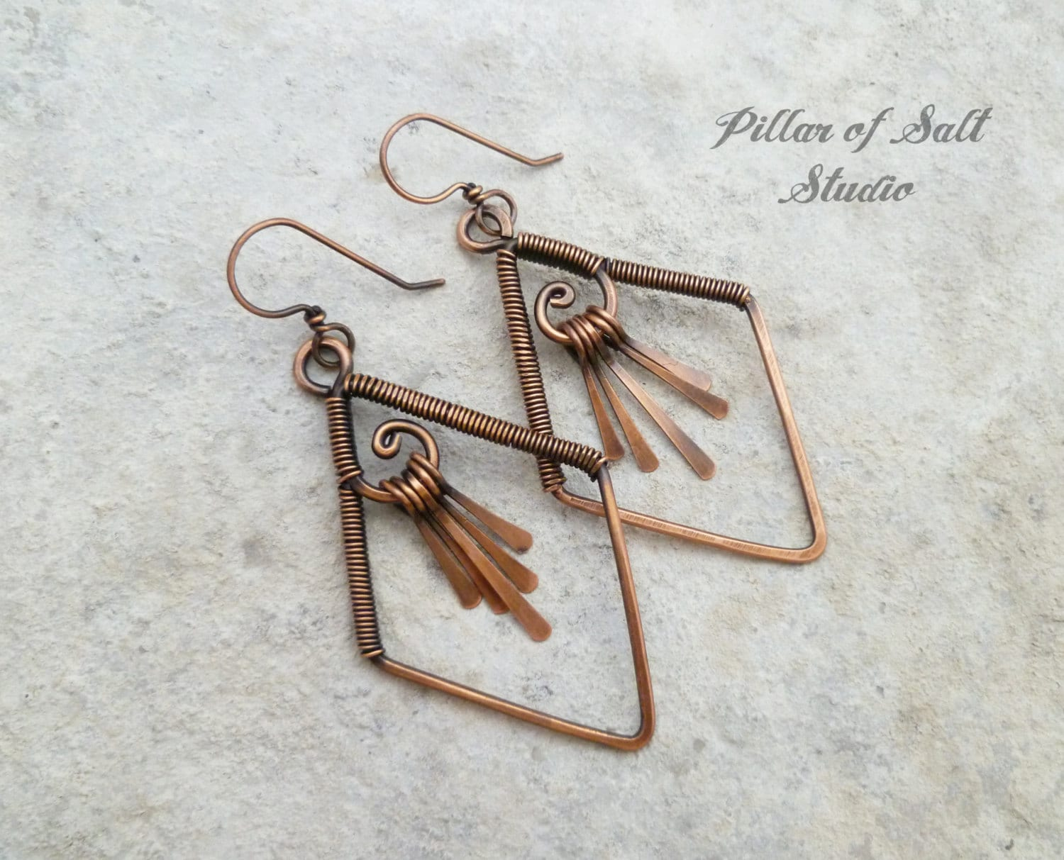 Wire wrapped earrings / Solid copper earrings / wire wrapped