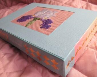Iris pattern cardboard box