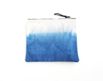 Blue dipdyed pouch with zipper II
