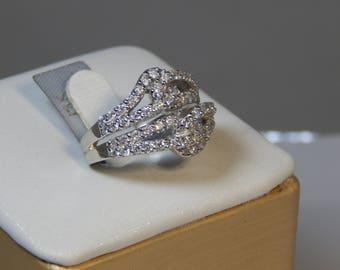 18K WHITE GOLD Ring  8G.  Diamond 2.79CT