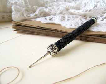 Comfort handle Custom crochet hook Convenient tool for knitting black Glass beaded crocheted handle Choose size of the hook