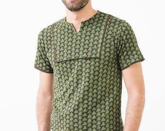 Green fitted T-shirt with 3D print