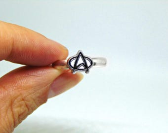 Small Star Trek Starfleet Insignia Logo Ring/ Star Trek Gift/ Star Trek Jewellery/ Geek Stocking Filler