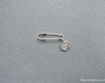 Micro charm brooch _ dove * joyful