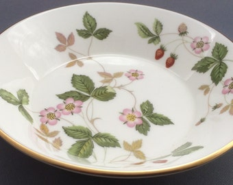 Wedgwood Wild Strawberry Sweet Bowl
