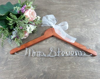 Last Name Hangers - Custom Name Hangers - Bridal Hangers - Bridal Accessories - Wedding Hangers - High Quality Gift - Family Name Hanger