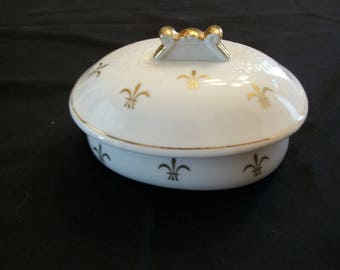 Anitque Fleur di Lis Gold Trimmed Porcelain Trinket or Jewelry Box