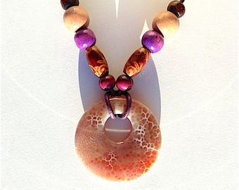 Dragons vein agate pendant necklace with wooden beads on leather.