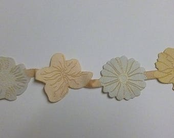 Ribbon with 4 flowers in shades of ivory beige
