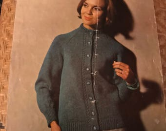 Patons 9275 Moorland Double Knitting English Vintage Pattern 1960s Raglan Golfer Cardigan